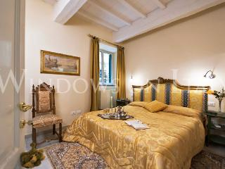 Ulisse - Windows on Italy - Florence vacation rentals