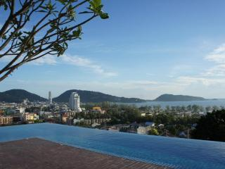 Patong 2 cheap condo swim pool on rooftop & fitnes - Patong vacation rentals