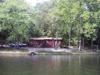 AR. Hot Springs Smith's Lakefront Cabin Getaway - Hot Springs vacation rentals
