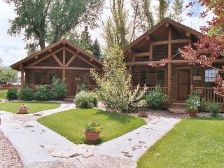 Ennis Homestead Yellowstone Cabin - Montana vacation rentals