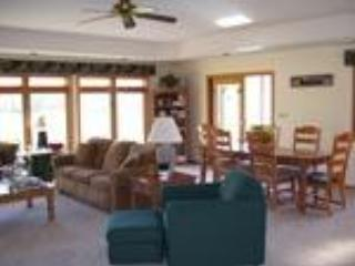 Walnut Hill House www.walnuthill15.com - Galena vacation rentals