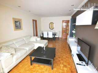 Barcelona Center 7 people Apartment - Barcelona vacation rentals
