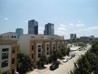 Beautiful 2 bedroom/ 2 Bath located in downtown Fort Worth, TX - Texas Prairies & Lakes vacation rentals