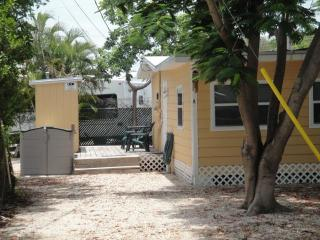 Quaint KeyLargoCottage, 1 bedroom,sleeps 4 comfy - Key Largo vacation rentals