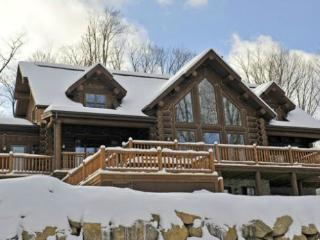 Kijaté Lodge - stunning Tremblant log home - Quebec vacation rentals