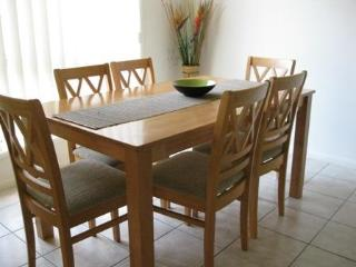 Dining area comfortable setting for family and friends having a holiday in style. - Lorraine & Robert Murray