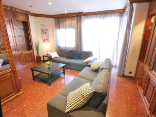Sagrada Familia 8 People Apartment - Barcelona vacation rentals