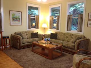 Carson's Mountain Cottage - Kona Coast vacation rentals