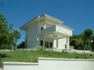 Luxurious 3 Bedroom Home on Jolly Hall Beach! - Great Exuma vacation rentals
