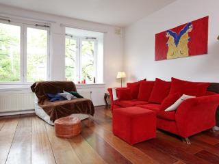 Rental bike nearby, 10mins by bike from centre! - Amsterdam vacation rentals