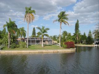 Villa Pinecrest - Your home away from home - Cape Coral vacation rentals