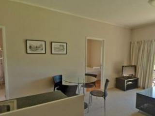Waiora Valley: 3 Bed Apartment (2 x Dbl, 1 x Dbl or Twn) - Paihia vacation rentals