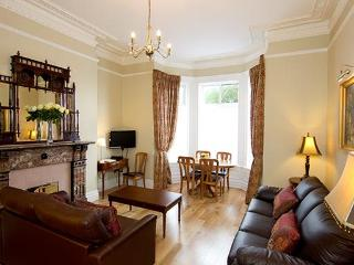Luxurious Victorian Apt slp 6, just 10 min to city - County Dublin vacation rentals
