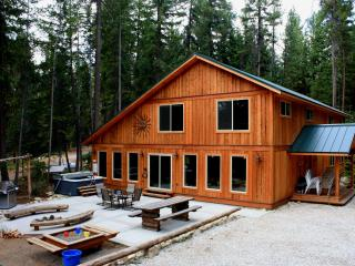 Marianne Lodge in Leaveworth.  8 bedrooms, theater - Leavenworth vacation rentals