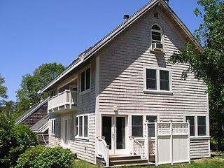 1628 - SET IN ENCLAVE ON EDGE OF TOWN - Vineyard Haven vacation rentals