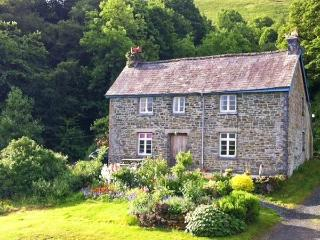 FFOREST FIELDS COTTAGE working farm, rural location near to Builth Wells, Ref 14396 - Mid Wales vacation rentals