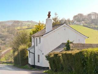 JASMINE COTTAGE, family friendly, character holiday cottage, with a garden in Tedburn St Mary, Ref 13413 - Exeter vacation rentals