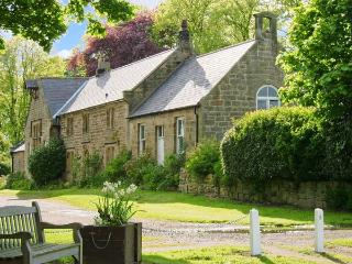 THE OLD SCHOOL ROOM, single-storey, country cottage, lawned garden in Longhorsley, Ref: 13778 - Longhorsley vacation rentals
