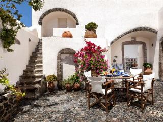 Elegant Villa with authentic style and jacuzzi - Paros vacation rentals