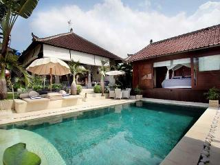 Traditional Fengshui Balinese Villa in Umalas - Seminyak vacation rentals