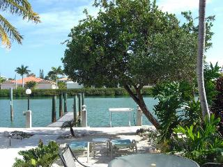 Waterfront 2b/2b+dock on best canal in KCB - Key Colony Beach vacation rentals