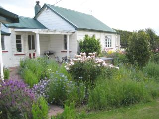 Hawkesbury Cottages - Hastings vacation rentals