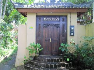 Villa Bulan Mas - Peaceful 2bedroom villa in Ubud - Ubud vacation rentals