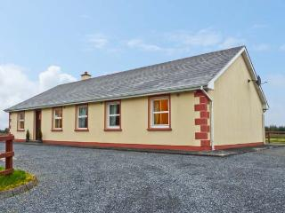MARYVILLE, ground floor, pet friendly cottage with a garden in Cornasleehan, Ref 14787 - Carrick-on-Shannon vacation rentals