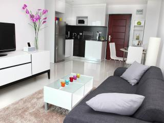 Pattaya Brandnew Designer Apartment with seaview - Pattaya vacation rentals