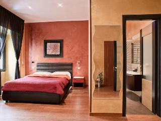 Amazing Deluxe apartment at the Spanish Steps - Rome vacation rentals
