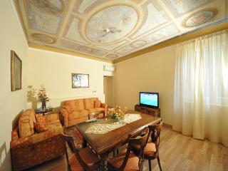 Luxury apartment in the heart of Florence centre - Tuscany vacation rentals