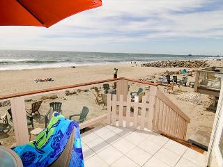 Wonderful Condo on the Sand P5021-2 - Oceanside vacation rentals