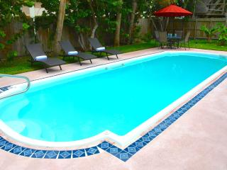 Casa de Playa STUNNING 4BR/3BA LARGE POOL HOME! STEPS TO BEACH!! - Pompano Beach vacation rentals