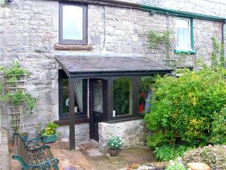 1 HWYLFA TERRACE, stone-built cottage, sleeping four people, with woodburning stove, in Llysfaen, Ref 14468 - Conwy County vacation rentals