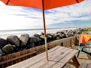 Quaint oceanfront rental P538-4 - Oceanside vacation rentals
