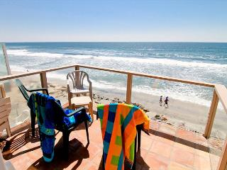 Wonderful Beachfront Condo on the Sand P5021-1 - Oceanside vacation rentals