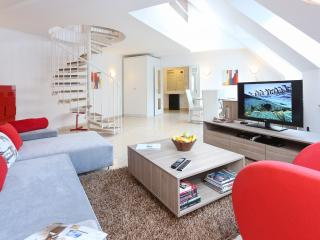 Modern SUITE next to Vienna State OPERA #1 - Vienna vacation rentals