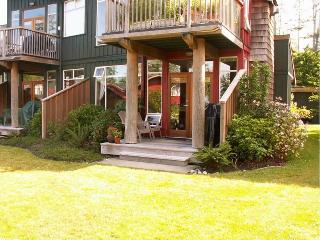 Tofino Beachfront Condo - 1 bedroom, 1 bath - Vancouver Island vacation rentals