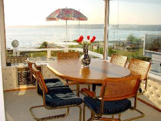 Columbia Beach House on Whidbey Island Free Wi-Fi - Puget Sound vacation rentals