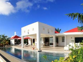 Coral : Contemporary And Sleek, Terres Basses Sxm - Terres Basses vacation rentals