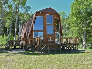 Redrock Retreat - Spectacular views of the Mountains and Henry's Lake - Island Park vacation rentals