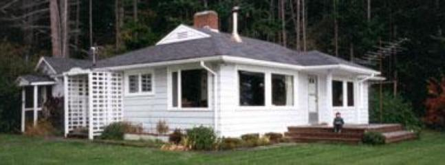 Sweet Orcas house on the water - Orcas Island Waterfront Vacation Home with Beach - Olga - rentals