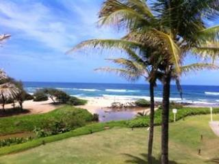 SEE & HEAR OCEAN! KAUAI BEACH VILLAS BEACHFRONT - Lihue vacation rentals