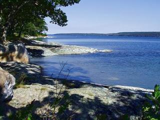 Gray Cottage - DownEast and Acadia Maine vacation rentals