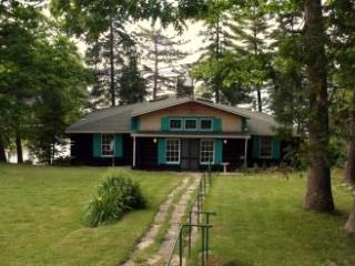 Billabong Cabin - DownEast and Acadia Maine vacation rentals