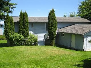 Wonderful Central View home - Greenbank vacation rentals