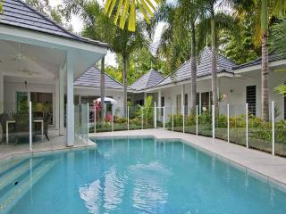SYREON - Private Gated Estate - 200 steps to the beach - Port Douglas vacation rentals