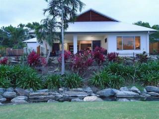 Cascades on Fairways - April & May special - Book 7nts &  pay for just  6! - Port Douglas vacation rentals