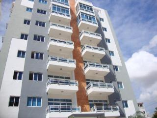 New 3 bedroom in Bella Vista area near everything - Santo Domingo vacation rentals