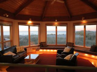 Willett's House ~ Ocean Front, 4 Bedroom, Hot Tub - Oregon Coast vacation rentals